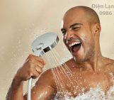 lợi íc của việc tắm nước nóng đối với cơ thể