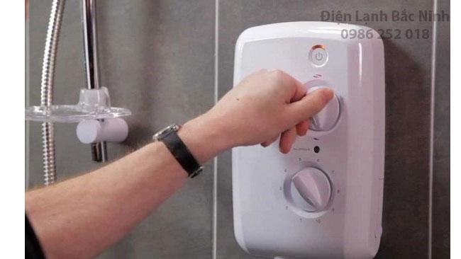 sử dụng bình nước nóng sao cho tiết kiệm